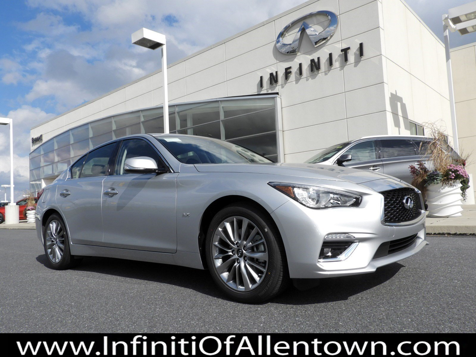 New 2019 INFINITI Q50 3 0t LUXE AWD With Navigation & AWD
