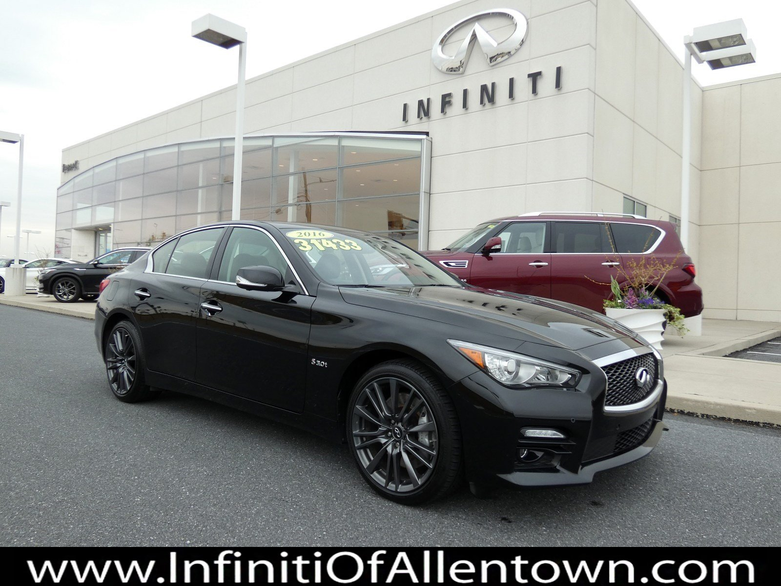 Pre-Owned 2016 INFINITI Q50 3.0t Red Sport 400